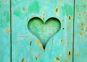 training de kunst van het luisteren afbeelding met een groen hart