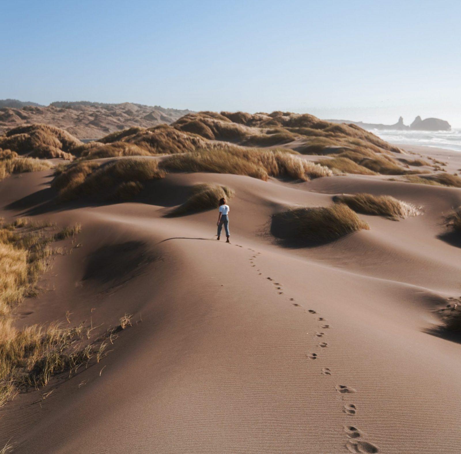 opkomen-voor-jezelf-voetstappen-in-het-zand